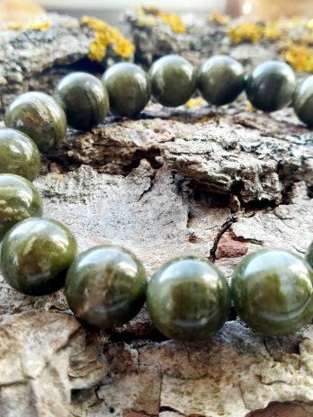 Zaļais kuncīts (spodumens)